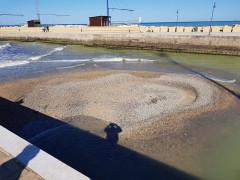 Isolotto di ghiaia alla foce del fiume Misa