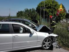 L'incidente su strada del Ferriero a Senigallia: l'intervento dei Vigili del fuoco