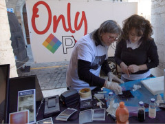 Un'iniziativa del gruppo fotografico Only Polaroid