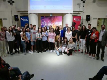 """La classe 3A del liceo classico Perticari di Senigallia ha vinto il concorso """"Che impresa ragazzi"""""""