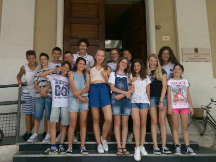 Studenti e docente (al centro) del corso di tedesco svolto all'I.C. Senigallia Centro - Fagnani