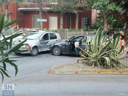Le auto coinvolte nell'incidente tra via Mercantini e viale A.Garibaldi, a Senigallia