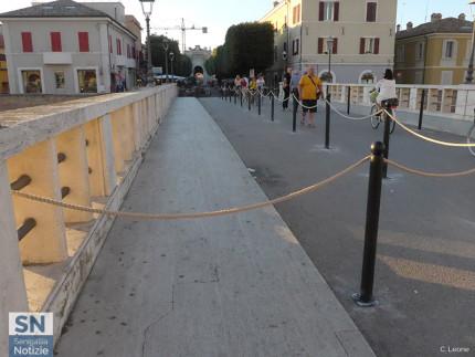La transennatura attuata su ponte II Giugno a Senigallia