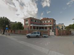 L'istituto Palazzolo sul lungomare Alighieri di Senigallia