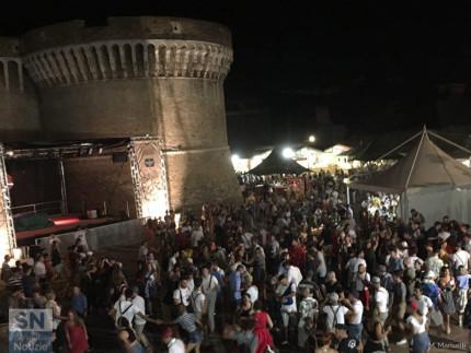 Balli ai giardini Palazzesi per il Summer Jamboree di Senigallia