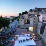 Foto di repertorio di Nottenera, il Festival vetrina dei linguaggi creativi contemporanei, a Serra de' Conti