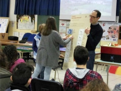 La didattica e l'insegnamento della scienza nelle scuole grazie al personale del museo delle scienze di Camerino