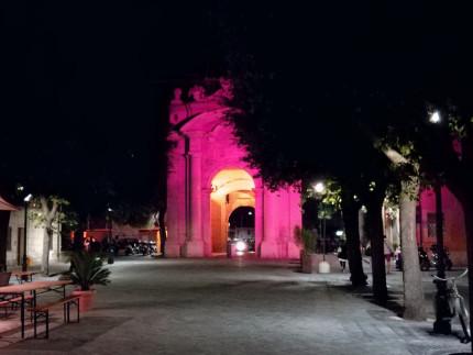 Porta Lambertina (detta anche porta Fano) in fondo a via Carducci