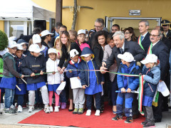 """L'inaugurazione della scuola di Arquata del Tronto """"Lo Specchio dei Tempi"""" con la neo commissaria alla ricostruzione De Micheli e il sottosegretario Maria Elena Boschi"""