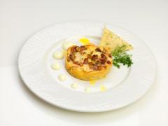 Millefoglie con ragù bianco di coniglio con finocchio selvatico su fonduta di caciotta d'Urbino - ricetta Massimo Del Moro
