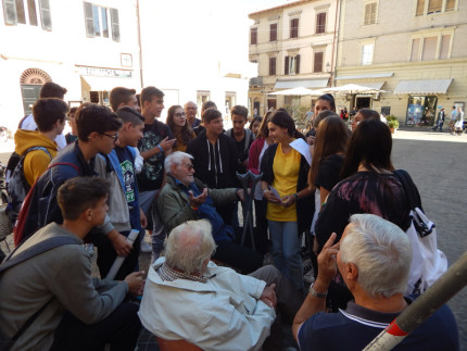 Le attività di scoperta della città da parte dei ragazzi dell'Istituto Corinaldesi