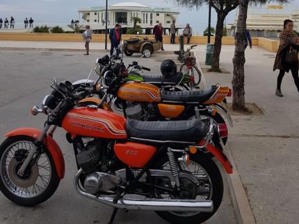 Moto Kawasaki appartenute a Renzo Moschini al motoraduno in piazzale della Libertà