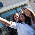 Lo staff di Car Multiservice di Senigallia con Miss Italia 2017, in tour nelle Marche