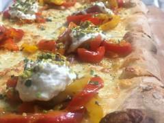 Farciture sempre nuove per la pizza di Aculmò a Senigallia