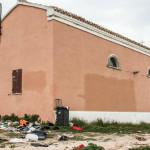 La chiesetta di Montedoro ridotta a una mini discarica