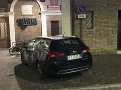 Parcheggio riservato auto blu