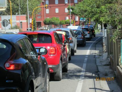 i residenti di via Cilea esasperati dal traffico
