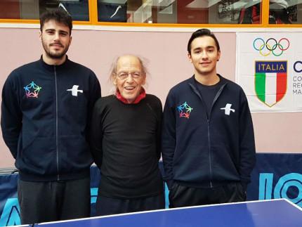 Alec Gorini e Samuel Piatanesi col maestro Pettinelli