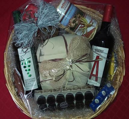 Confezioni regalo per Natale proposti dalla Cantina Mezzanotte di Senigallia