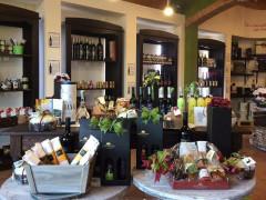 Cesti natalizi e prodotti tipici alla Cantina Boccafosca di Ostra, Corinaldo e Calcinelli di Saltara