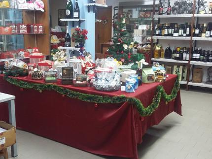 La Bottiglieria di Sara confeziona cesti e pacchi natalizi a Cesanella di Senigallia