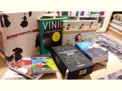 Libri e tante idee regalo per Natale alla libreria Iobook di Senigallia