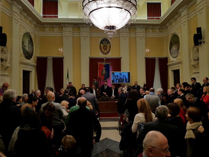 Applausi al termine del discorso di fine anno 2017 a Senigallia