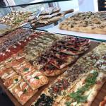 Pizza al metro della Pizzeria Zerozero di Senigallia