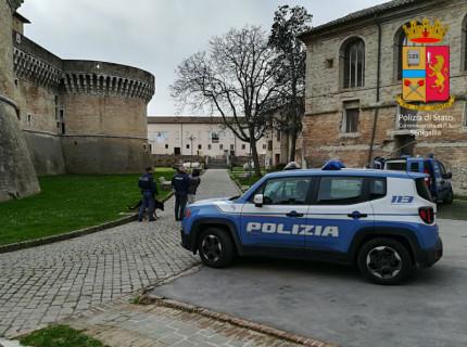 Controlli della Polizia alla Rocca