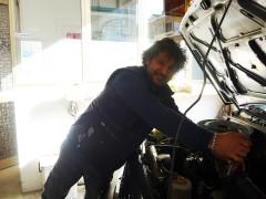 Luca Bonvini al lavoro nella sua officina - Impianti GPL e metano a Senigallia