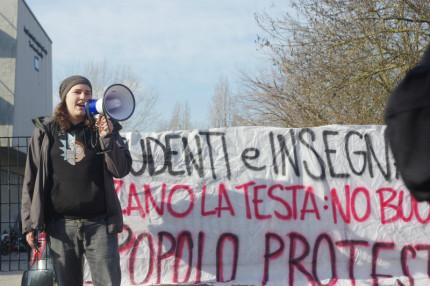 Gli studenti di Senigallia contro l'alternanza scuola-lavoro