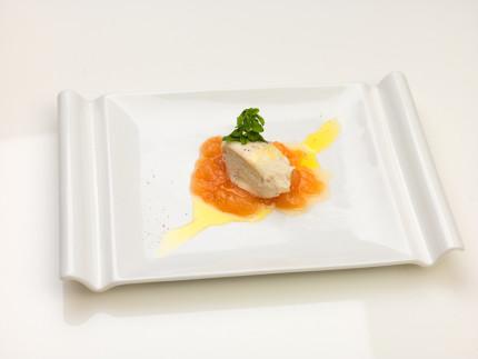 Mousse di ricotta alla cannella con composta di pere olio extra vergine d'oliva e pepe nero - ricetta di Riccardo Catalani