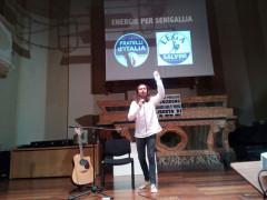 Povia in concerto a Senigallia