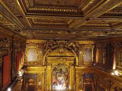 Chiesa della Croce a Senigallia: soffitto e pala dell'altare