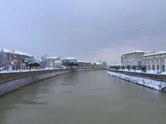 Neve in centro storico a Senigallia - Il fiume Misa