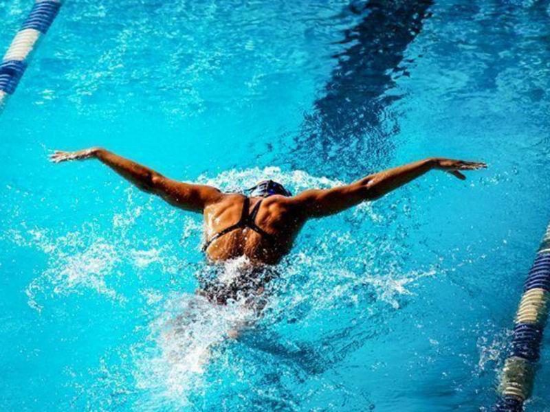 Nuoto nuotatore rana piscina senigallia notizie - Nuoto in piscina ...