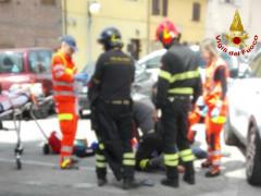 Vigili del Fuoco impegnati nei soccorsi a un 62enne di Senigallia vittima di un malore