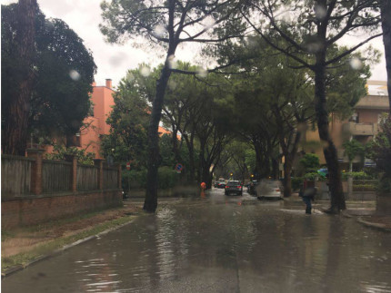 Viale Anita Garibaldi allagato
