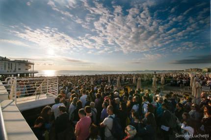 CaterRaduno: pubblico per il concerto all'alba a Senigallia - foto di Simone Luchetti