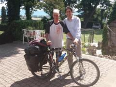 Janus River, l'80enne che gira il mondo in bicicletta