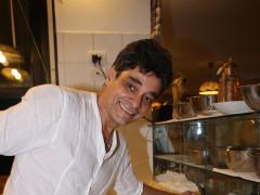 Michele Ercole in pizzeria al suo ristorante Al Vicoletto di Senigallia