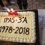 Si ritrovano dopo 40 anni le allieve della 3^ A del Panzini del 1978 - la torta