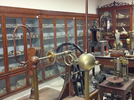 Il gabinetto di scienze naturali e fisiche del Liceo Perticari di Senigallia
