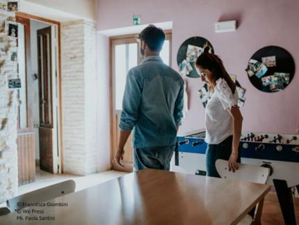 """A Senigallia girato il 4° fotoromanzo per il mercato francese dal titolo """"Come Thelma & Luoise"""""""
