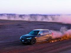 Nuova Bmw X5 nel deserto del Sahara