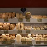 Il banco del pane presso NaturaSì - La Terra e il Cielo di Senigallia
