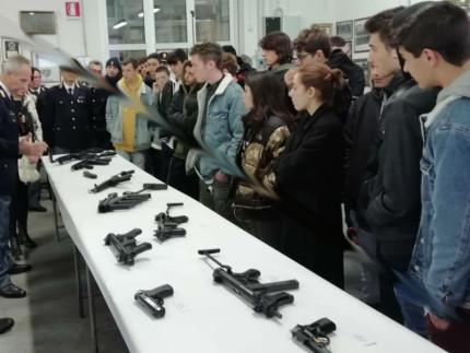 Stabilimenti Polizia, visita studenti