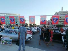 Il Club Motori d'Epoca di Senigallia su piazzale della Libertà