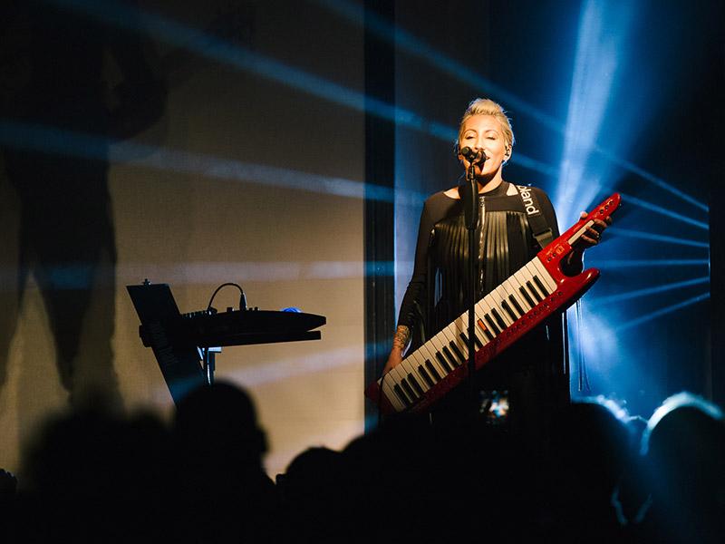 Malika Ayane a Senigallia con il Domino Tour - foto di Simone Luchetti