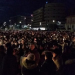 Fiaccolata a Senigallia dopo la tragedia della Lanterna Azzurra di Corinaldo